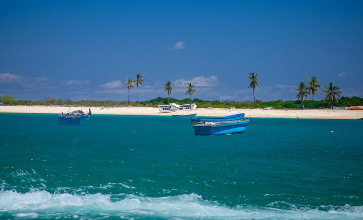comoros boat africa