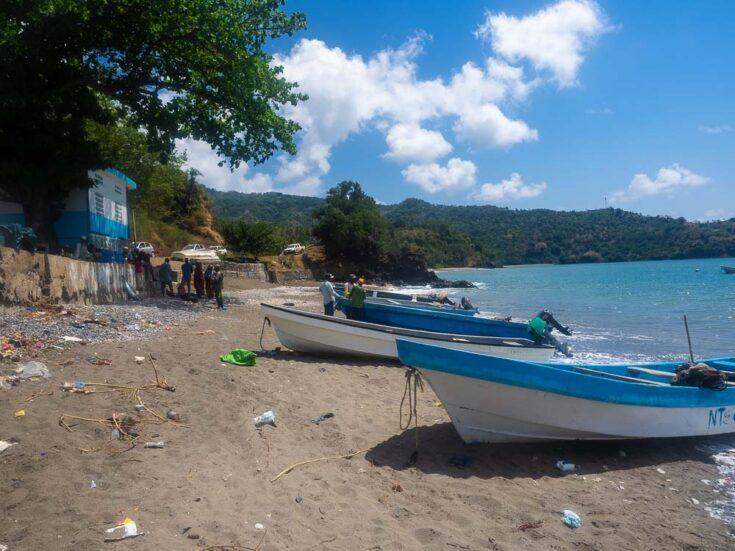 moHELI island harbour